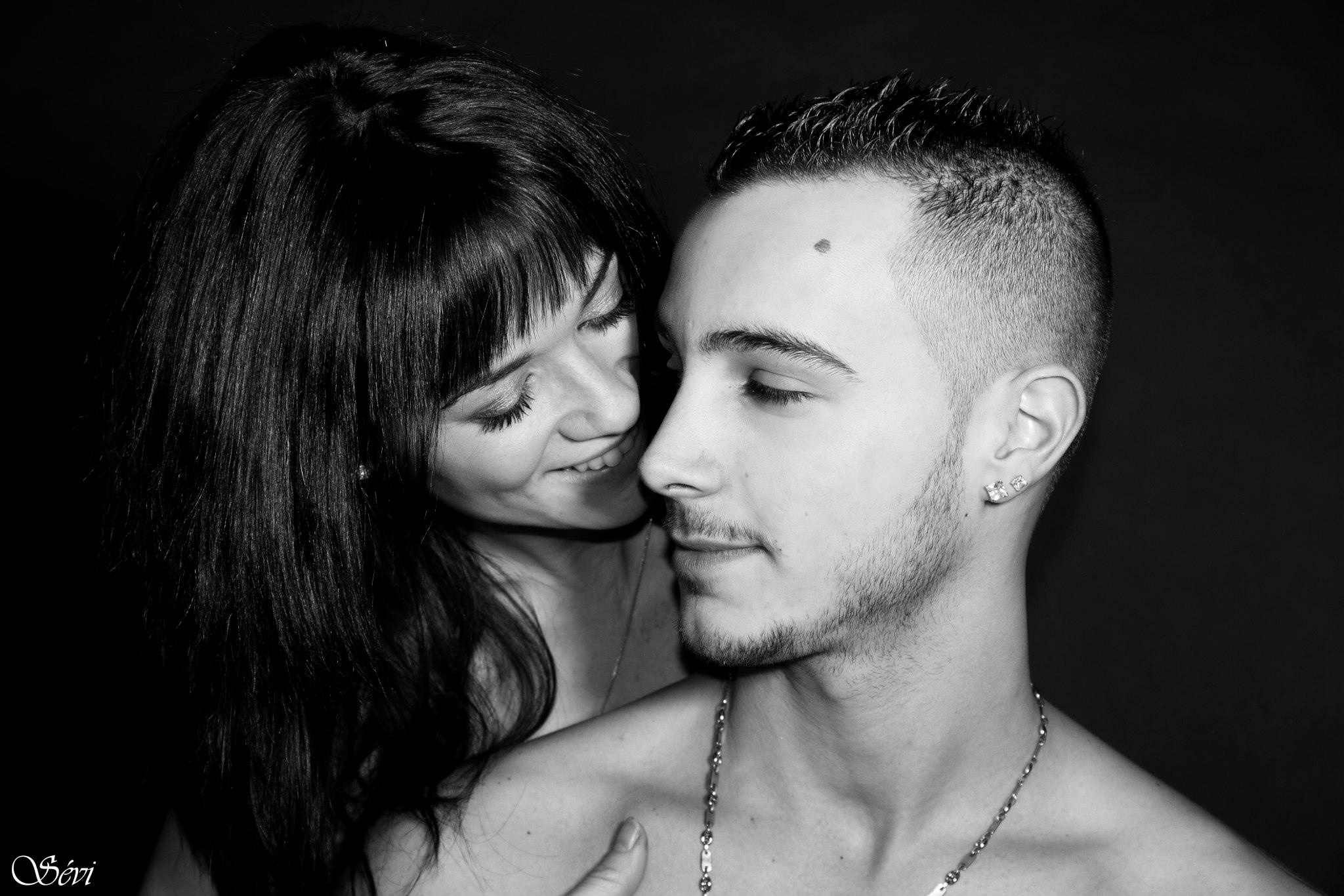 Photo couple amoureux regard