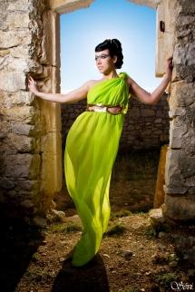 Photo femme solo déesse grecque robe verte